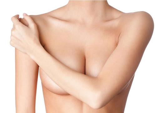 ข้อดีของการวางเต้านมเทียมไว้ด้านหลังกล้ามเนื้อ