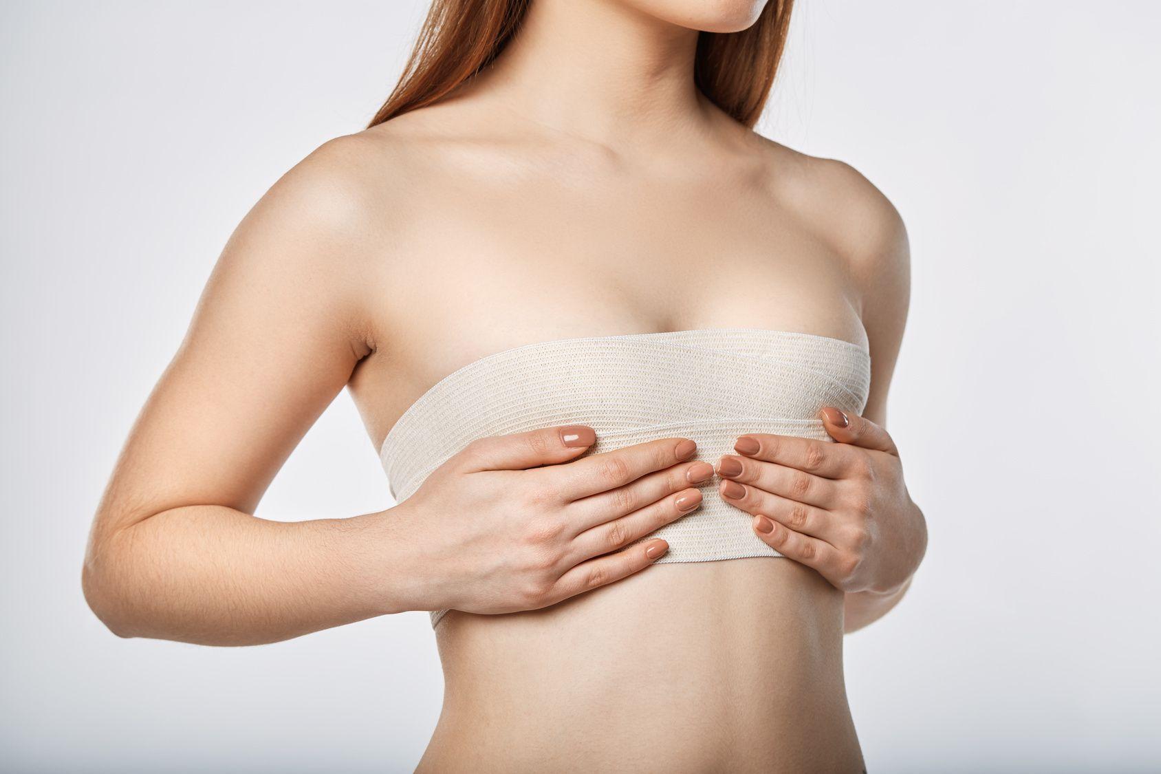 คุณควรดูแลเต้านมเทียมหลังการผ่าตัดอย่างไร?