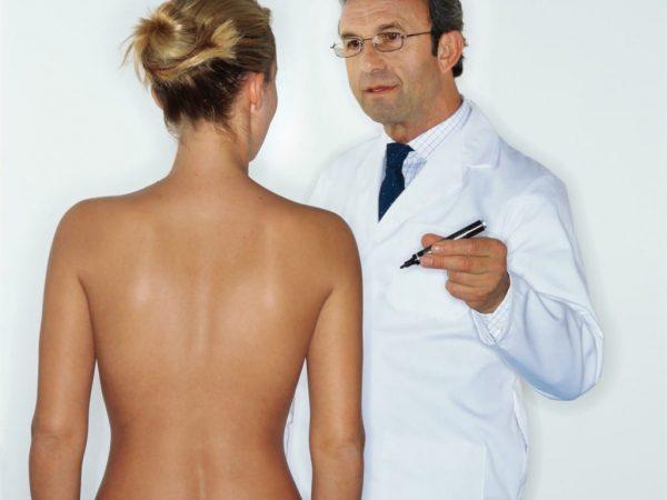 ทักษะการผ่าตัด 3 วิธีสามารถช่วยรับรองผลการเสริมหน้าอกที่สวยงาม